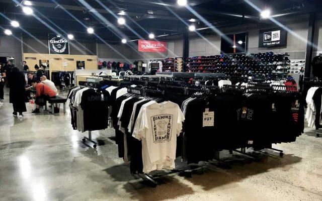 Online shopping for men clothing