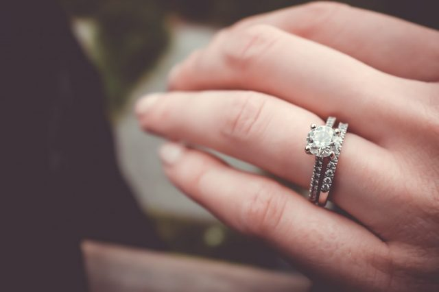 Purchase Engagement Ring in Hong Kong