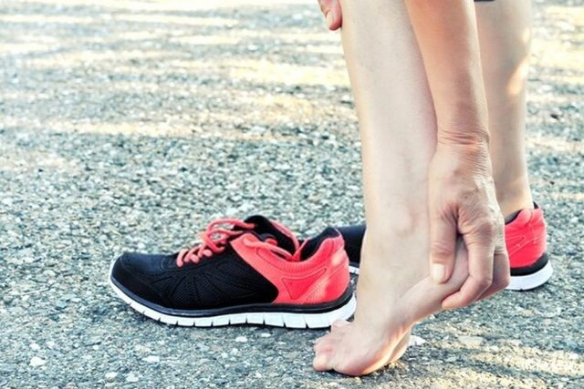 shoes for heel pain